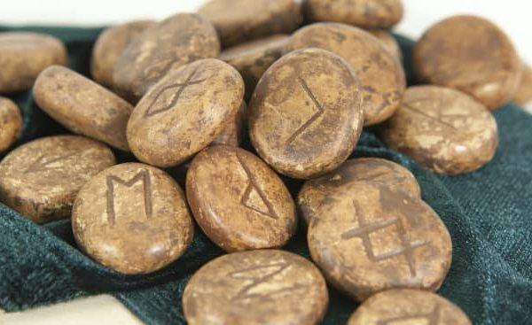 runas del alfabeto celta